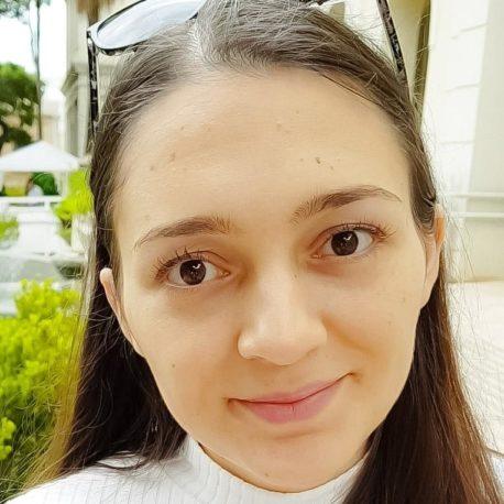 KARINA CUNHA